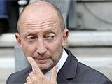 Наставник «Блэкпула» наказан за оскорбление арбитра