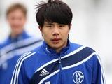 «Терек» ведет переговоры с «Шальке» о трансфере китайского полузащитника