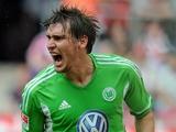 Спустя два месяца Хельмес возвращён в первую команду «Вольфсбурга»