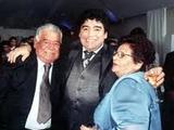 Марадона вернулся в Аргентину из-за смерти матери