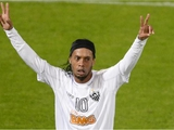 Ультиматум Роналдиньо: новый контракт в обмен на выплату зарплат