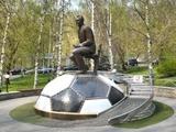 Официально. Памятник Лобановскому перенесут на центральную улицу Киева