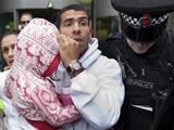 Тевес вернулся в Англию с полицейским эскортом