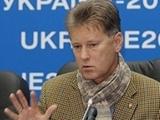 Леонид БУРЯК: «У всех трех наших клубов есть шанс выиграть Лигу Европы»