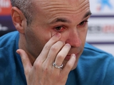 Андрес Иньеста расплакался, объявив об уходе из «Барселоны» (ФОТО, ВИДЕО)