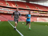 Полузащитник «Арсенала» Санти Касорла провел первую тренировку после 10-ти операций (ФОТО)
