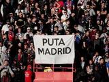 Фанаты ПСЖ вывесили оскорбительный баннер после поражения от «Реала» (ФОТО)