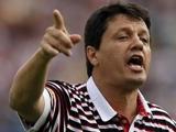 Бразильского тренера уволили в раздевалке