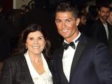 Мать Роналду: «Предпочла бы, чтобы Криштиану вернулся в Манчестер»