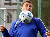 Евгений ЛЕВЧЕНКО: «У меня в сборной Украины есть друг, так он целыми днями торчит у зеркала!»