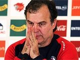 Бьельса покинул пост главного тренера сборной Чили