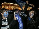 Фанаты «Зенита» отметили чемпионство массовой дракой с ОМОНом