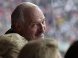 Александр Лукашенко: «Игроки «Зенита» приехали к нам с распальцовкой, а по полю на четвереньках ходили»