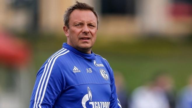 Экс-тренер Шальке возглавил Ганновер