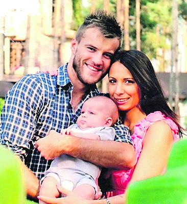 Андрей ярмоленко и его жена фото