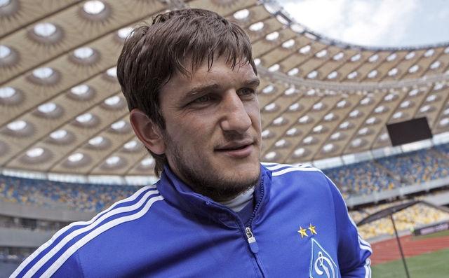 Агенты Попова не могут договориться с «Динамо» о разрыве контракта