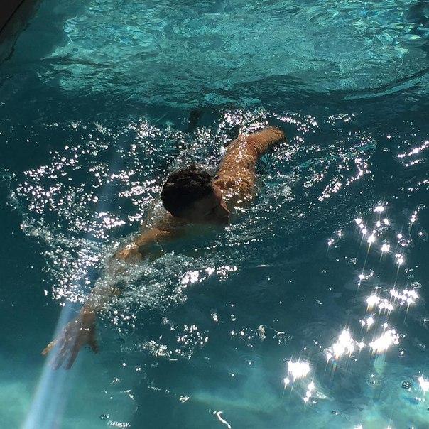 Александар Драгович: «Решил поплавать в бассейне после тренировки» (ФОТО)