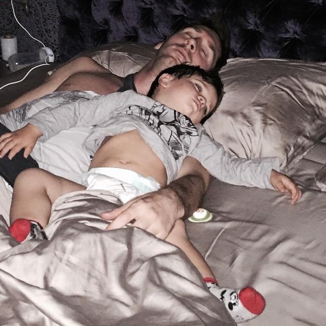 голая мама при сыне фото