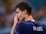В стане соперника. Защитник сборной Франции получил травму, и с Украиной в отборе ЧМ-2022 не сыграет