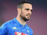 Защитник «Наполи» получил красную карточку во время разминки
