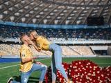 Александр Зинченко сделал предложение Владе Седан на НСК «Олимпийский» (ФОТО)