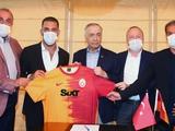 Арда Туран вернулся в «Галатасарай» спустя 9 лет