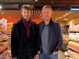 Александр Шовковский поздравил Александра Хацкевича с Днем рождения в… супермаркете (ФОТО)