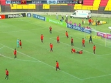 В чемпионате Бразилии сыграли в почти в одинаковых по цвету формах (ФОТО)