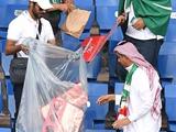 Болельщики сборной Саудовской Аравии сами убрали трибуны стадиона после матча (ФОТО)