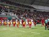 На клубном ЧМ в Катаре девочки впервые подавали мячи