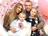 Футболиста сборной России Глушакова допросили в полиции из-за угроз жене