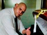 В Аргентине уволили сотрудника похоронного бюро за селфи с гробом Марадоны (ФОТО)