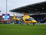 В Англии во время матча на поле приземлился вертолет (ФОТО, ВИДЕО)