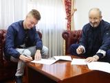 Официально. Виктор Цыганков продлил контракт с «Динамо»