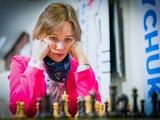 Мария Музычук побеждает Хампи Конеру
