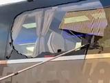 Автобус «Реала» перед матчем с «Ливерпулем» забросали камнями и разбили в нем стекло (ВИДЕО)