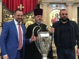 Глава ФФУ, нардеп от БПП Павелко притащил своему свату, криминальному авторитету Нарику, Кубок европейских чемпионов, - Синицын.
