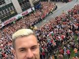 Как встречали сборную Уэльса в Кардиффе - фото, видео