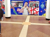 В киевском метрополитене появился вагон с изображением Цыганкова (ФОТО)