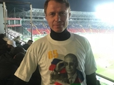 Олега Кононова уволили из «Ахмата». Он уже удалил фото в футболке с Путиным