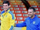 Нападающий сборной Украины тренируется по индивидуальной программе