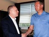 Источник: сегодня состоится встреча Суркиса с Хацкевичем, на которой станет известна судьба тренера