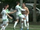 У игрока «Карпат» стащили футболку прямо во время матча (ВИДЕО)
