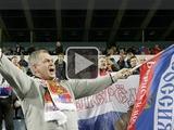 Черногорцы сняли, как российские болельщики в Подгорице жгли флаги (ВИДЕО)