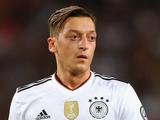 Эзил: «Продолжаю болеть за сборную Германии»