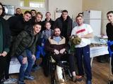 Динамовцы традиционно навестили бойцов АТО в военном госпитале