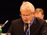 Луческу не принимал участия в голосовании за лучшего тренера ЧУ