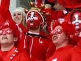 Швейцарские болельщики: «Браво, УЕФА! Ни одной победы за пять матчей, а тут сразу 3:0! Всем игрокам по 10 баллов!»