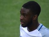 Защитник сборной Англии забил автогол с середины поля (ВИДЕО)