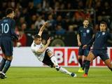 Болельщики о новой форме сборной Англии: «Почему Англия играет вформе сборной Шотландии?» (ФОТО)